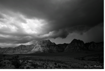 redrock-escarpment-BW